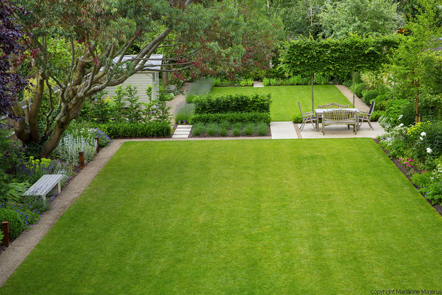 Simple Style Large Lawn